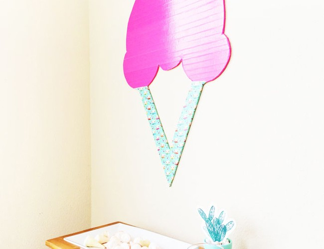 cupcakeMAG Crafts // Ice Cream Wall Hanging by Dash and Dash