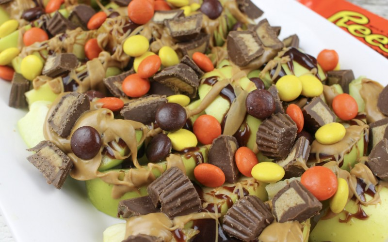 Reese's Chocolate and Peanut Butter Apple Nachos