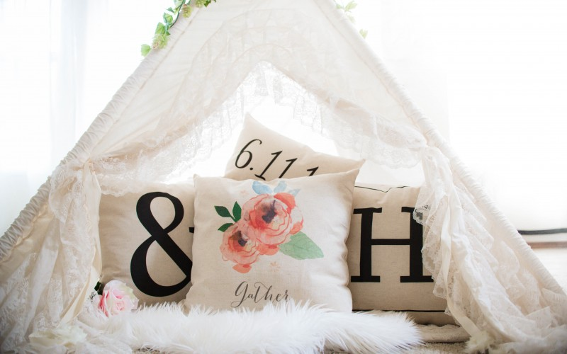 Hand-crafted home decor from So Vintage Chic + a giveaway!